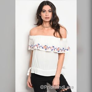 Tops - ITS HERE!!!🌸Off the Shoulder Top🌸
